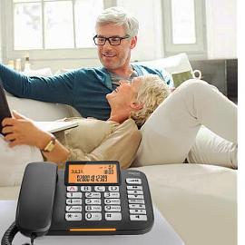 Telefon pro seniory na pevnou linku a přídavný zvonek telefonu, telefonní spínač vyzvánění.